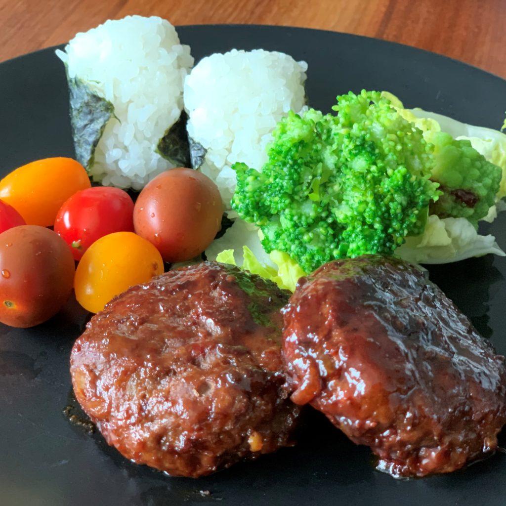 Teriyaki Hamburger, Onigiri