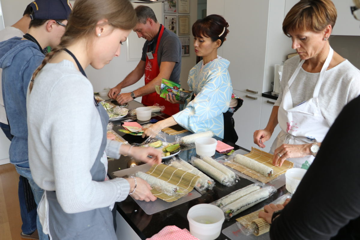 inside-out roll sushi class in May 2018