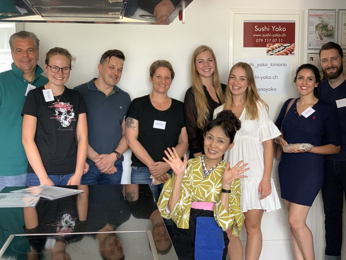 inside-out roll sushi class in June 2020(2)